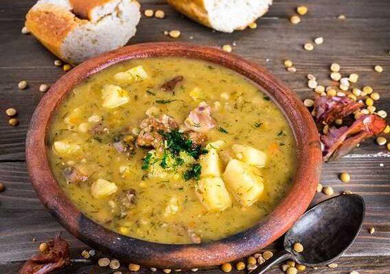 Пошаговый рецепт вкусного горохового супа с копченостями