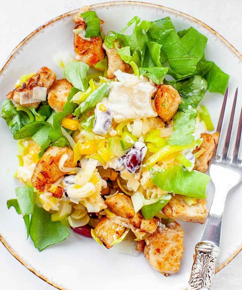 Салат курица с ананасом - рецепт