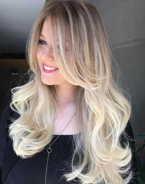 Длинные светлые волосы