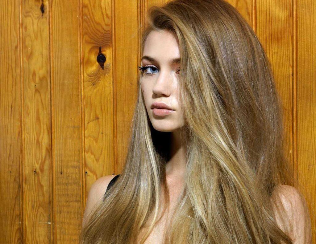 Натуральные длинные волосы