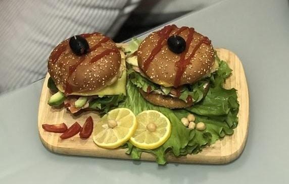 Попробуйте эти сочные бургеры с лососем